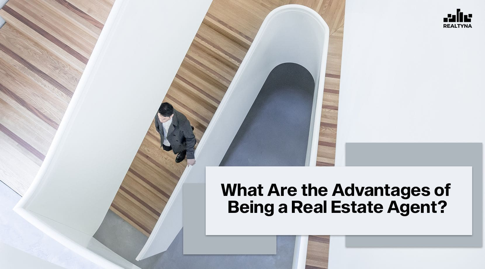What Are the Advantages of Being a Real Estate Agent?
